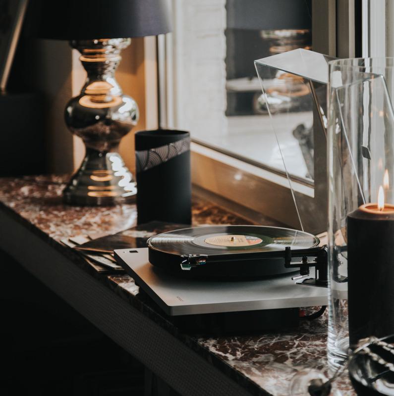 Kopie-von-_5_2.4.-_-Vinyl-_-Sinatra-Fensterbank_.jpg
