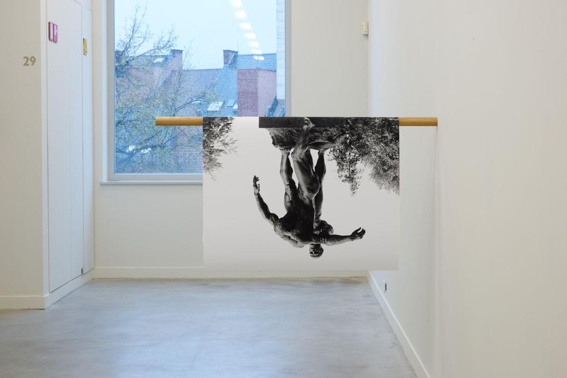 Jimmy Robert. Untitled, Ompdrailles, 2013. Foto (c) Dirk Pauwels