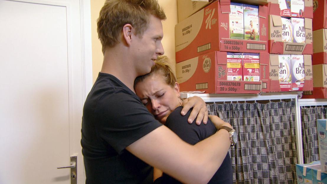 Vrijwilligerswerk bij de voedselbank weekt diepe emoties los bij Karen en James