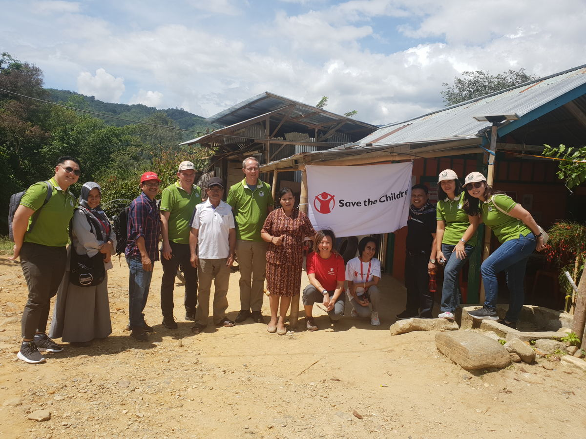 Our visit to Central Sulawesi was led by Group Chairman Heinrich Jessen (sixth from left).