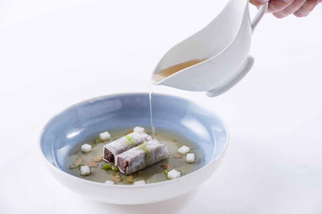 The Peninsula Bangkok: Braised M6 Wagyu Beef Brisket Rolls with Turnip in Beef Soup