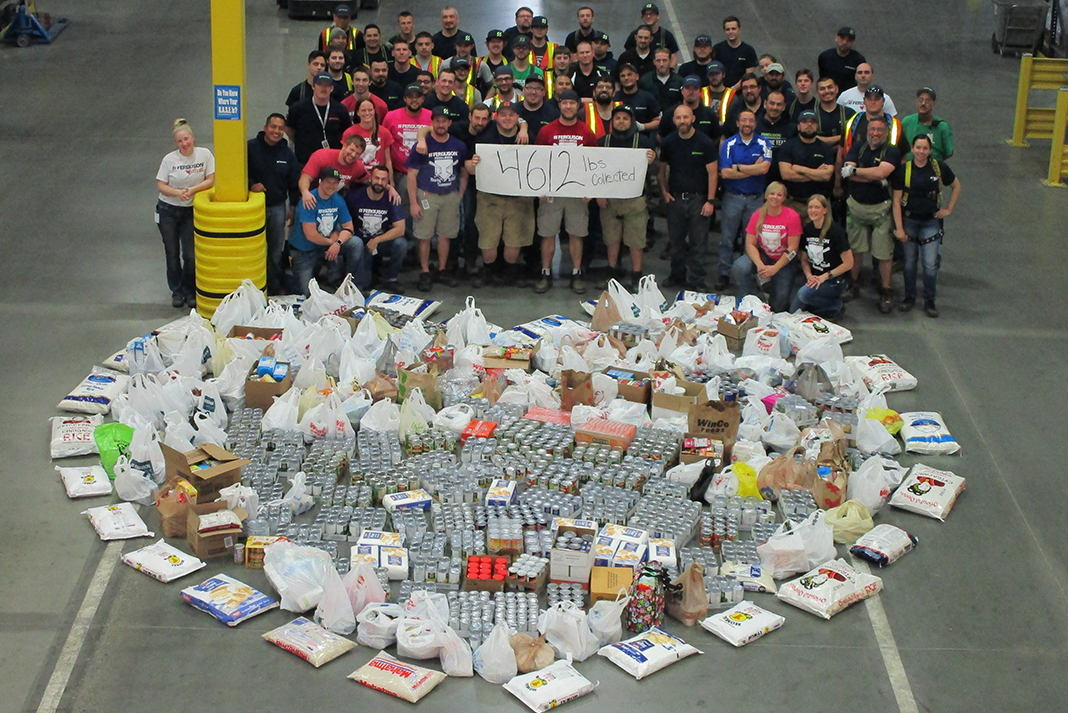 Associates at the Richland, Washington Distribution Center collected 4,612 pounds of food.