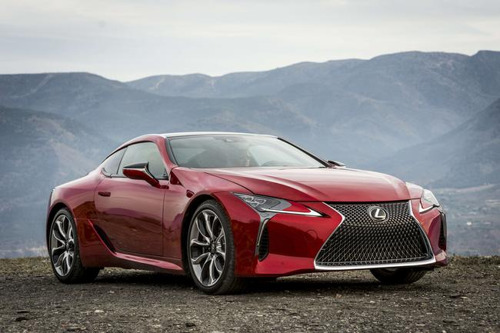 LEXUS' MOVES A MOUNTAIN TO FILM THE NEW LC 500