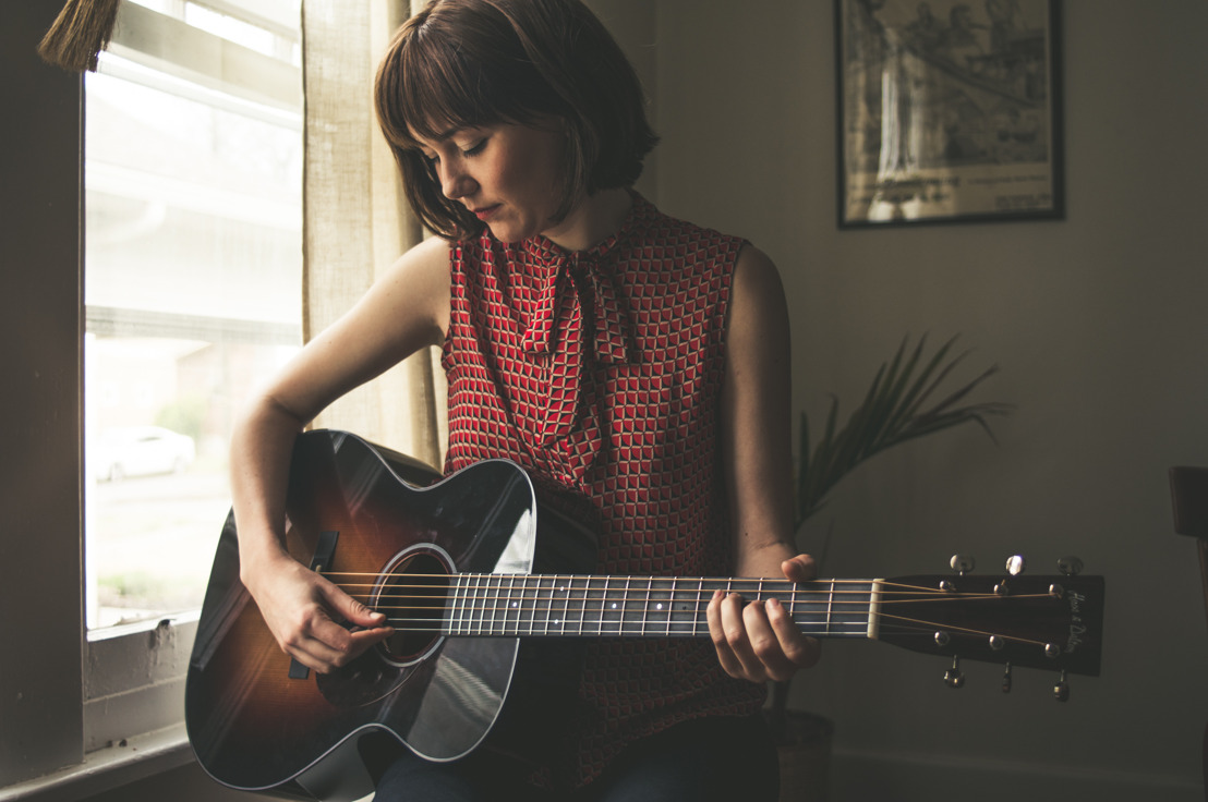 SENNHEISER VENTURES UP AND DOWN THE FRETBOARD WITH EMERGING BLUEGRASS STAR MOLLY TUTTLE