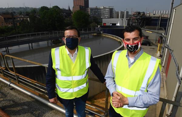Preview: Luiks burgemeester Willy Demeyer bezoekt waterzuiveringsinstallatie in de Jupille brouwerij ter ere van wereldmilieudag