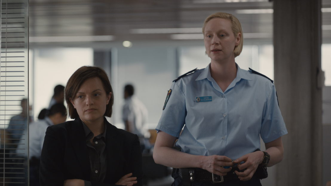 Top of the Lake: The China Girl - Elisabeth Moss en Gwendoline Christie - (c) BBC / Sundance