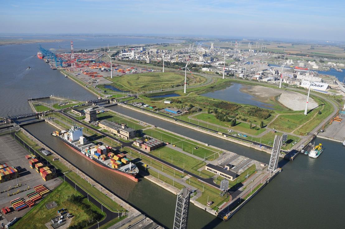 Port of Antwerp en het agentschap voor Maritieme Dienstverlening en Kust tekenen contouren van een nieuw havencoördinatiecentrum uit.
