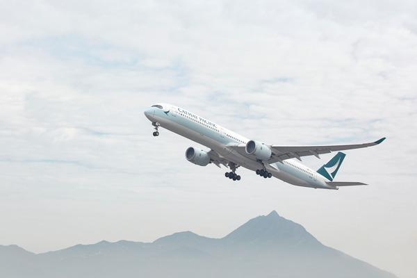 Preview: Cathay Pacific partecipa a TTG Travel Experience per presentare le ultime novità
