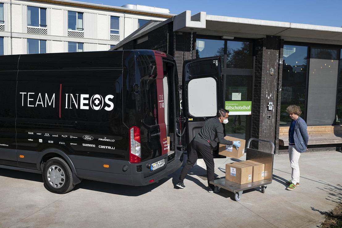 INEOS schakelt wielerploeg TEAM INEOS in voor verdeling handontsmettingsmiddel aan Belgische zorginstellingen.