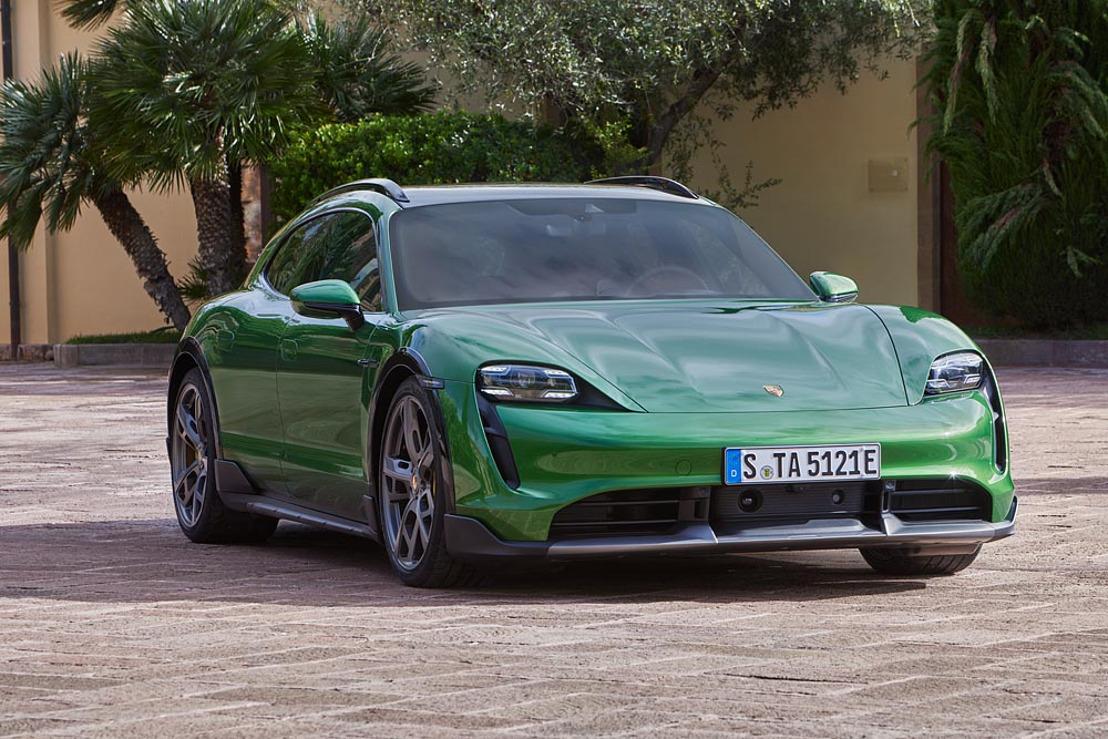 Porsche zet zijn elektrische campagne voort met een nieuwe variant van de Taycan