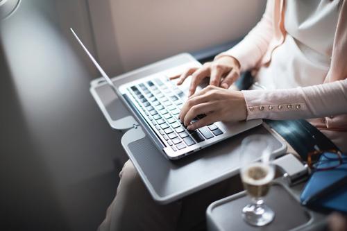 캐세이퍼시픽항공 '비즈니스 플러스'로 기업 출장 부담은 마이너스!