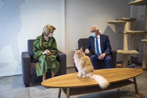 Koningin Mathilde in het UZ Brussel om meer te weten over o.m. patiëntjes met eetstoornissen