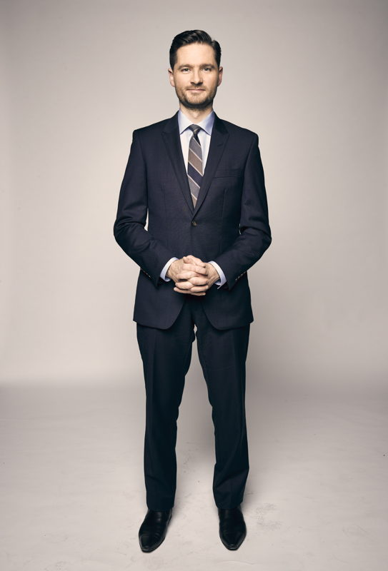 Charlie Pickering will co-host Planet America with John Barron for the next four weeks