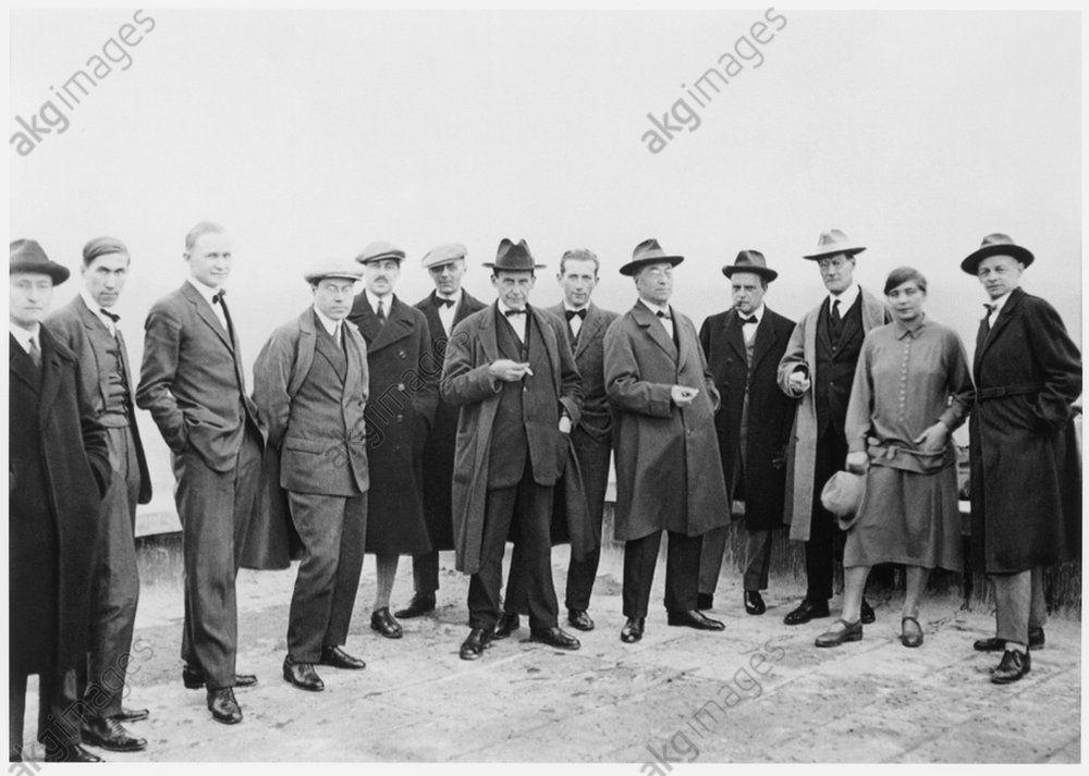 Group photo of the Bauhaus teachers in Dessau.  From left: Josef Albers, Hinnerk Scheper, Georg Muche, László Moholy-Nagy, Herbert Bayer, Joost Schmidt, Walter Gropius, Marcel Breuer, Wassily Kandinsky, Paul Klee, Lyonel Feininger, Gunta Stölzl and Oskar Schlemmer. Photo, 1926. AKG6830