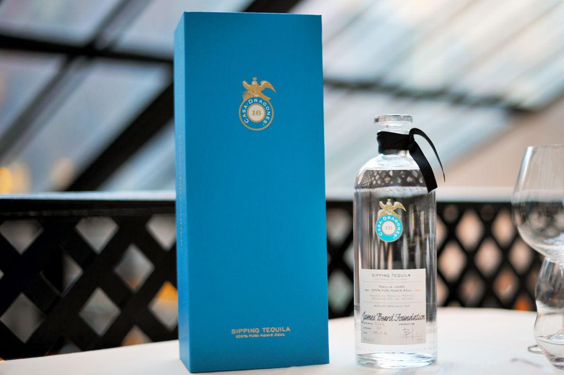 Tequila Casa Dragones Joven personalizada para James Beard Foundation