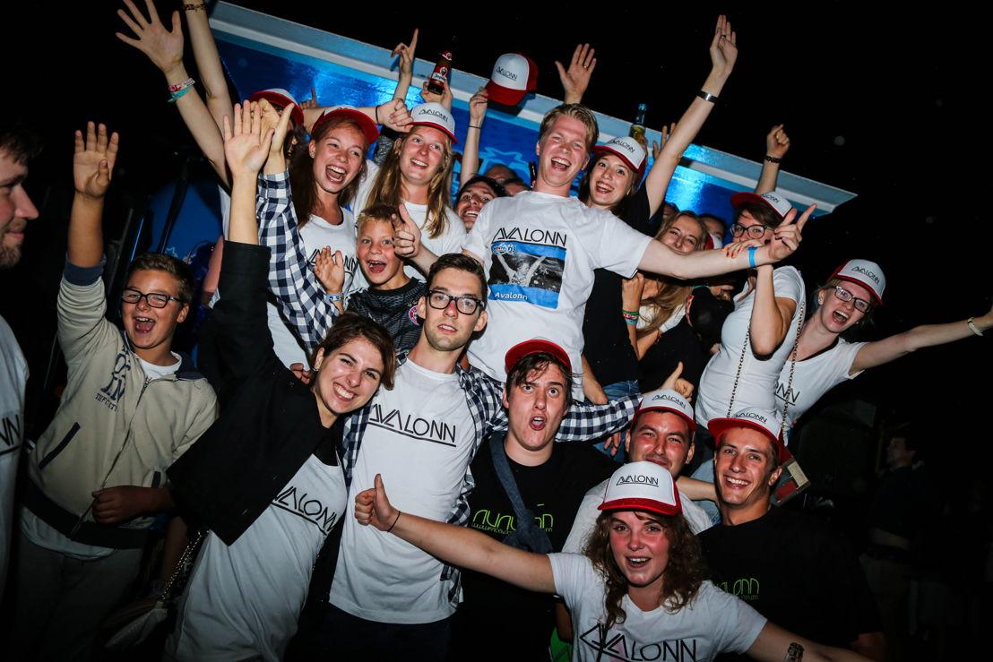Avalonn met fans (c) VRT/MNM