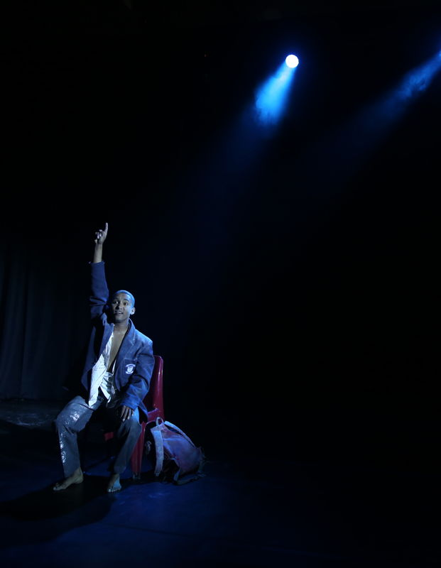 Dustin Beck in Jason Jacob's Stofrooi at the Cape Town Fringe 2016 - pic Nardus Engelbrecht