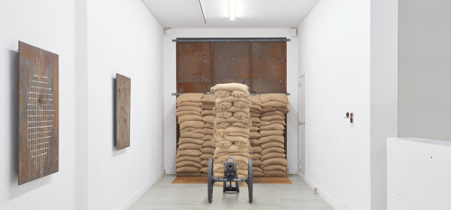 Joost Pauwaert shows cannons, a rotating saw blade, a swinging anvil and marching hammers at the Barbé Urbain Gallery