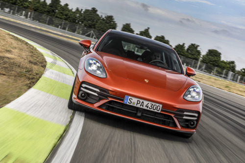 Porsche remanie en profondeur sa berline de sport