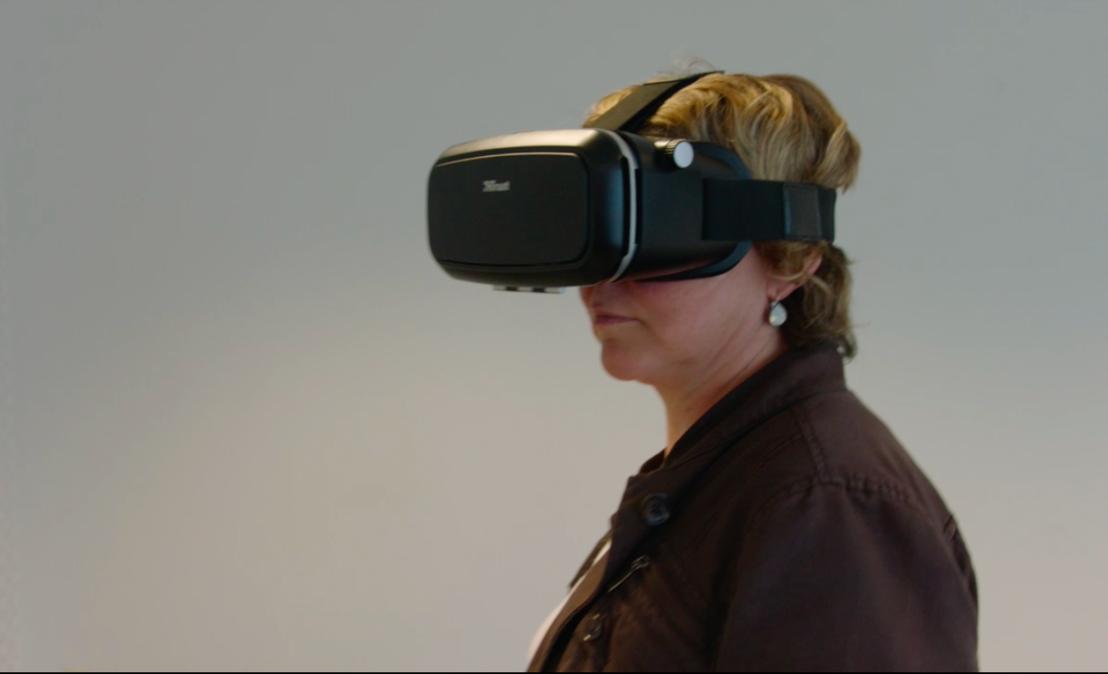 Rondwandelen in virtuele supermarkt.