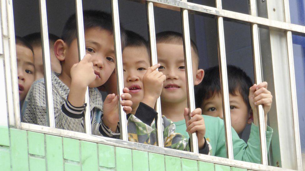 Schoolkinderen in Guangxi - (c) BBC Worldwide