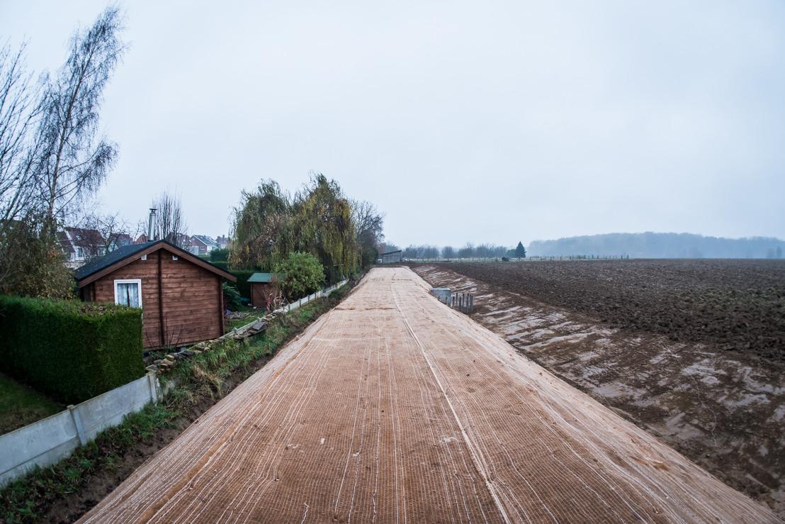 Aarden dam moet modder tegenhouden