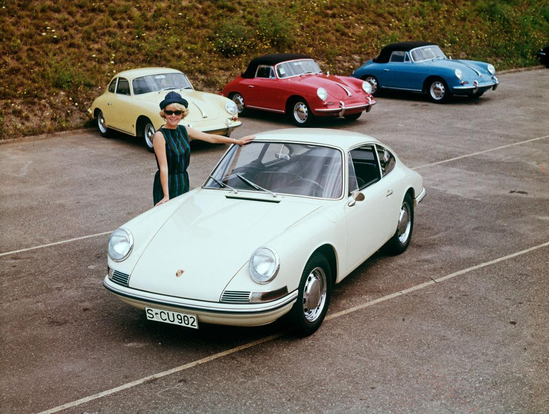 1964. El primer 901 producido en serie sale de la línea de montaje el 14 de septiembre