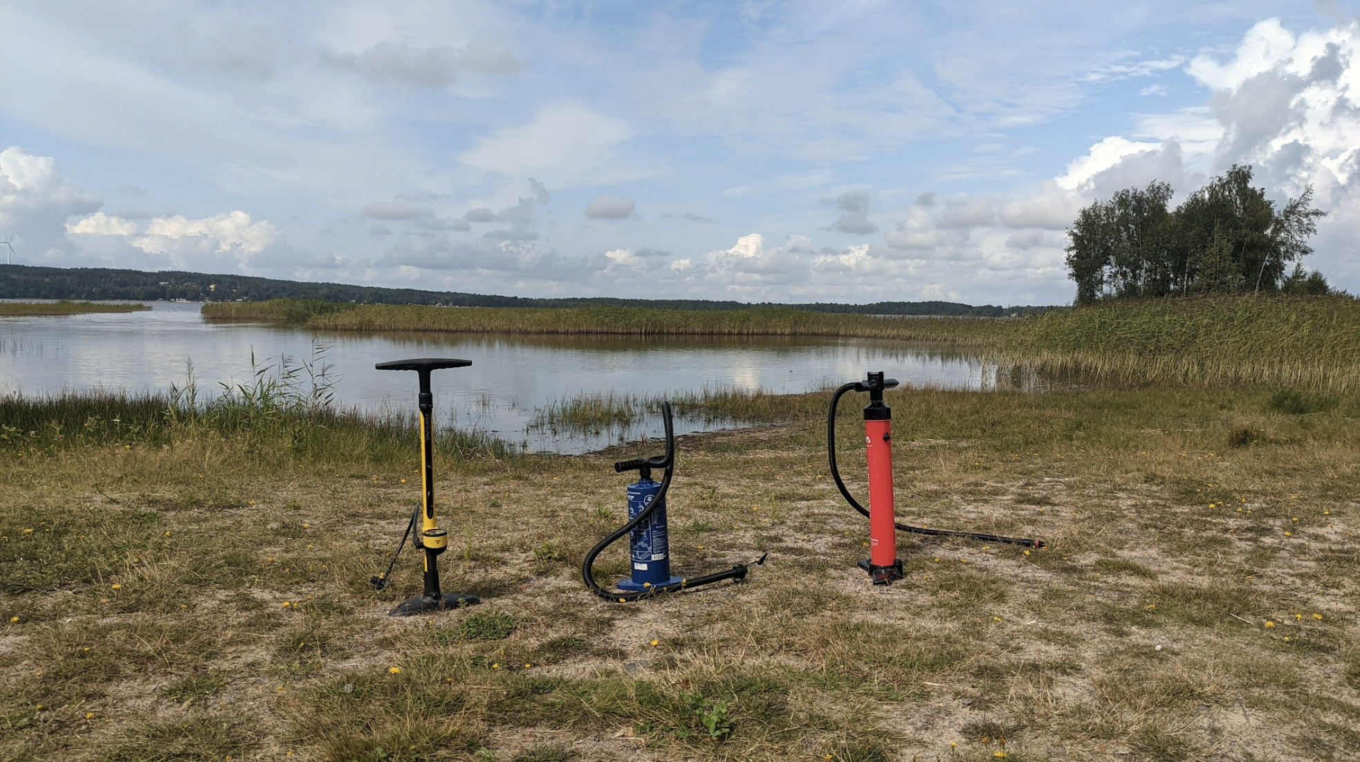 I think i'm doing something wrong. Bike (left), Mattrass, SUP board (right)