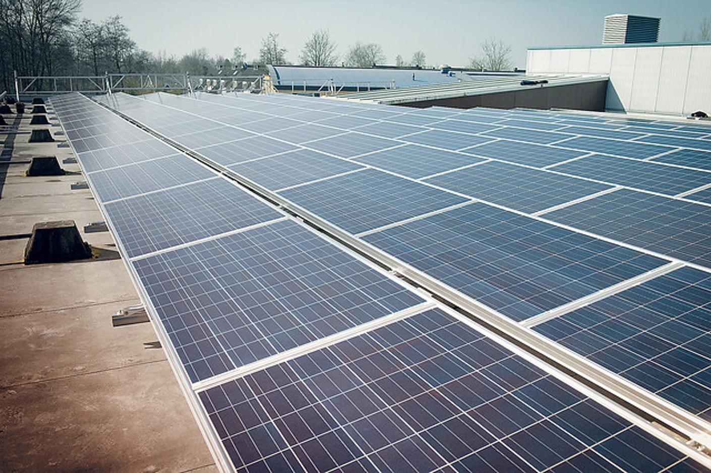 Belangrijke boodschap van de VREG over het aanmelden van zonnepanelen