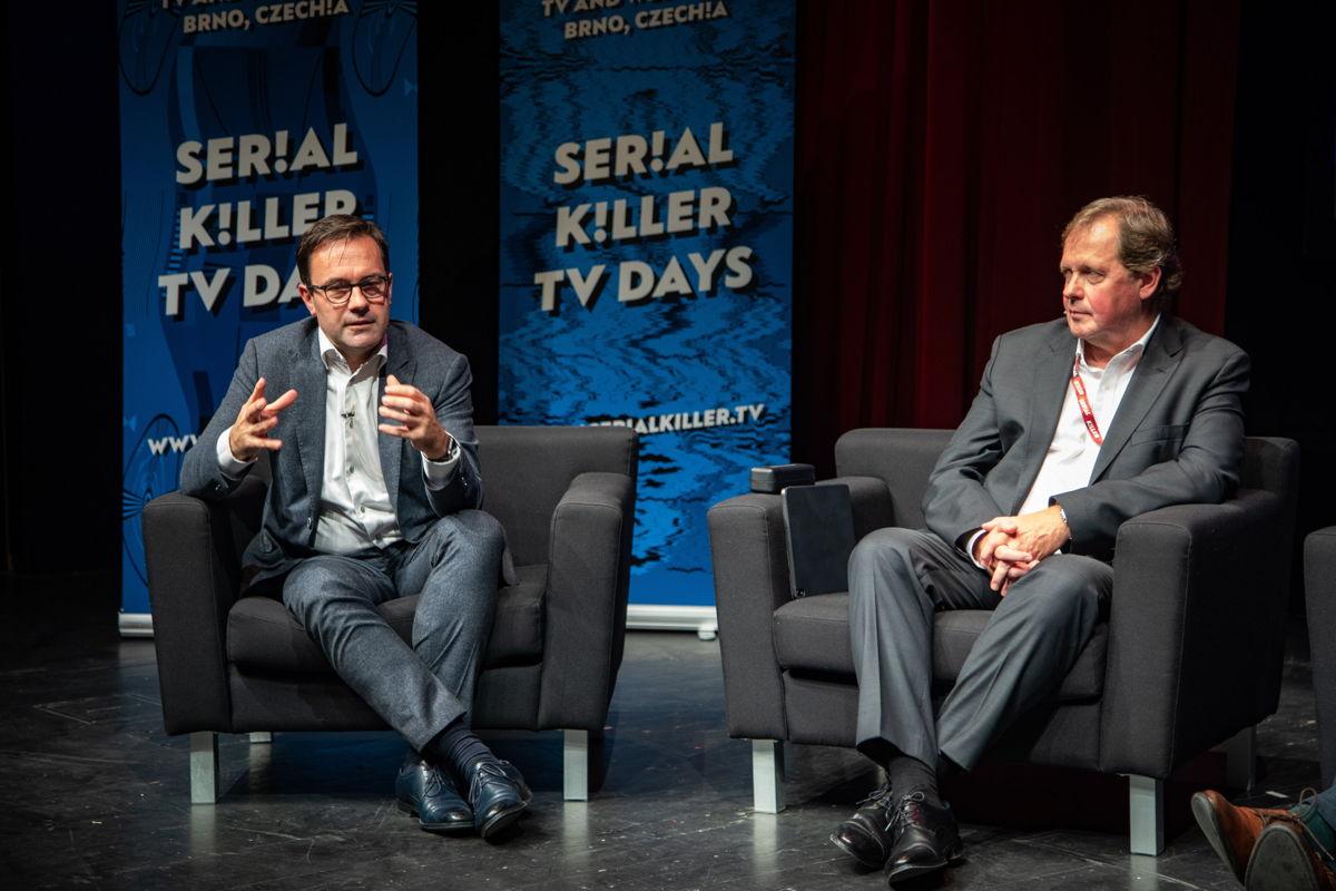Frederik Delaplace, CEO van de VRT, en Petr Dvořák, de CEO van Czech Television