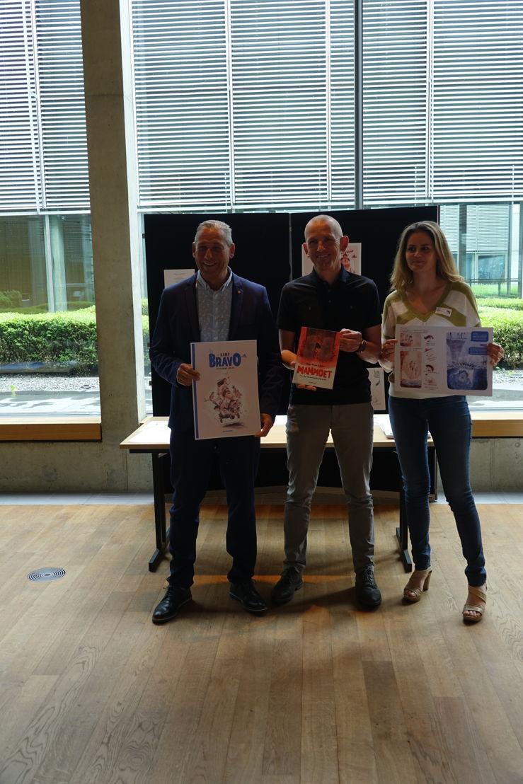 Vlnr gedeputeerde Marc Florquin, auteur Stefan Boonen en Tinne Van Camp, UCLL