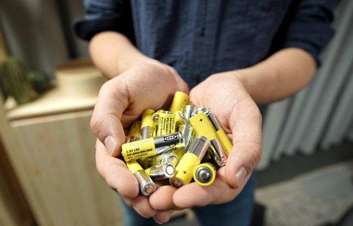 IKEA prévoit le retrait des piles alcalines non rechargeables de son assortiment d'ici 2021