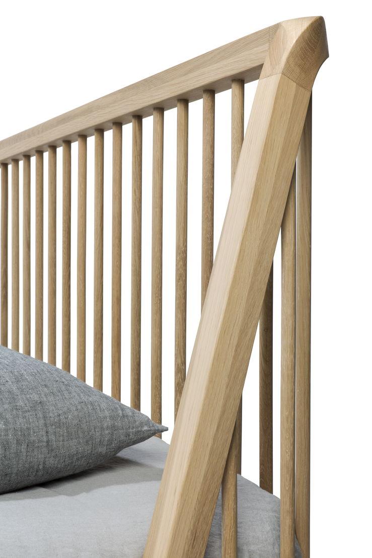 Ethnicraft Oak Spindle bed_detail