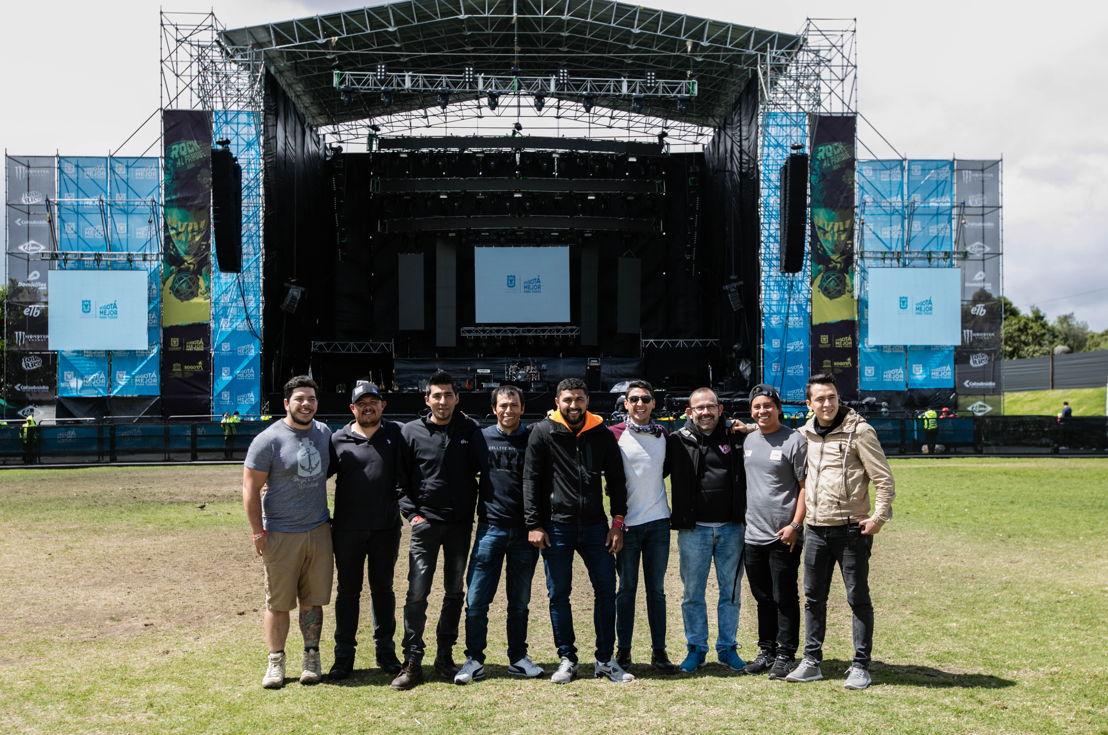 El equipo de Iluminación Jaime Dussan y P.A. Sound Colombia, propietarios del sistema ShowMatch y encargados de la producción.