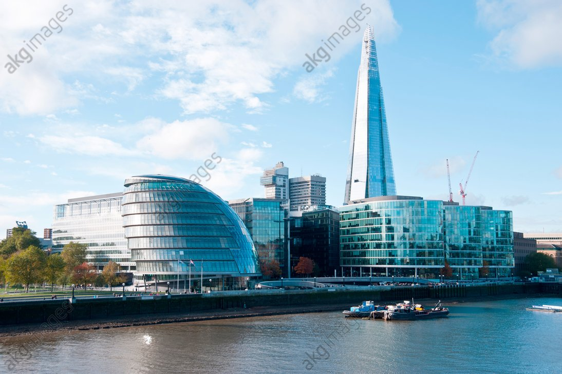 City Hall (Norman Foster) and The Shard, (Renzo Piano) in London, UK<br/>AKG2011116