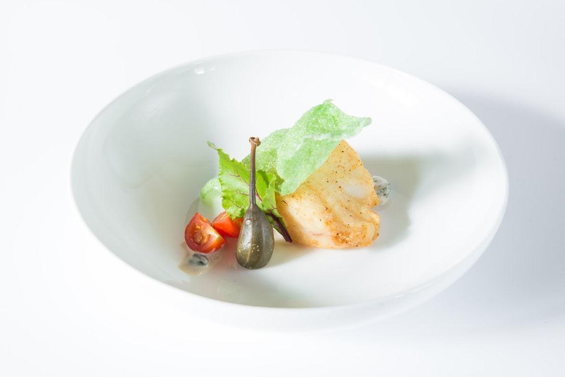 Café botteltje - In kruidenkorst gefrituurde kabeljauw met remoulade van ansjovis geparfumeerd met Sint-Bernardus Tripel & kroepoek van wasabi