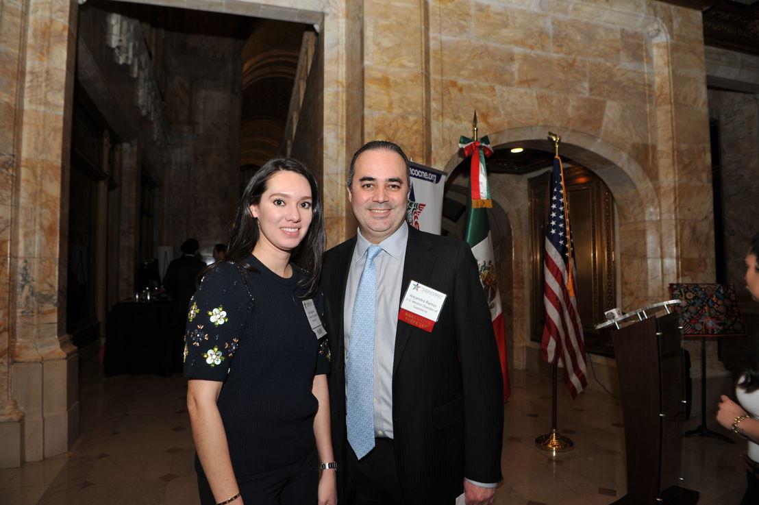 Alejandro Ramos, Director Ejecutivo de la Cámara de Comercio México-Estados Unidos,  y Aida Lagarda, Especialista de Comercio Internacional de la Cámara de Comercio México-Estados Unidos