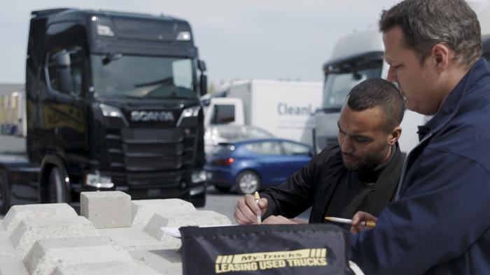 Du starter au leader du marché européen. My-Trucks réalise les rêves et envoie le 1000ème véhicule sur la route