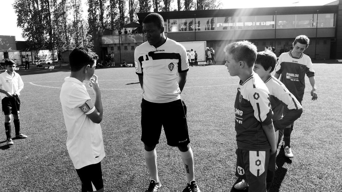 BX emprunte des règles au rugby lors d'un tournoi de football de jeunes