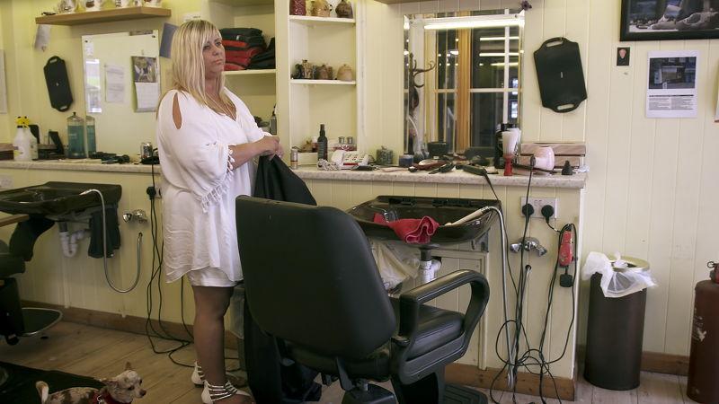 Barber shop: Clacton - (c) Luc Vrydaghs
