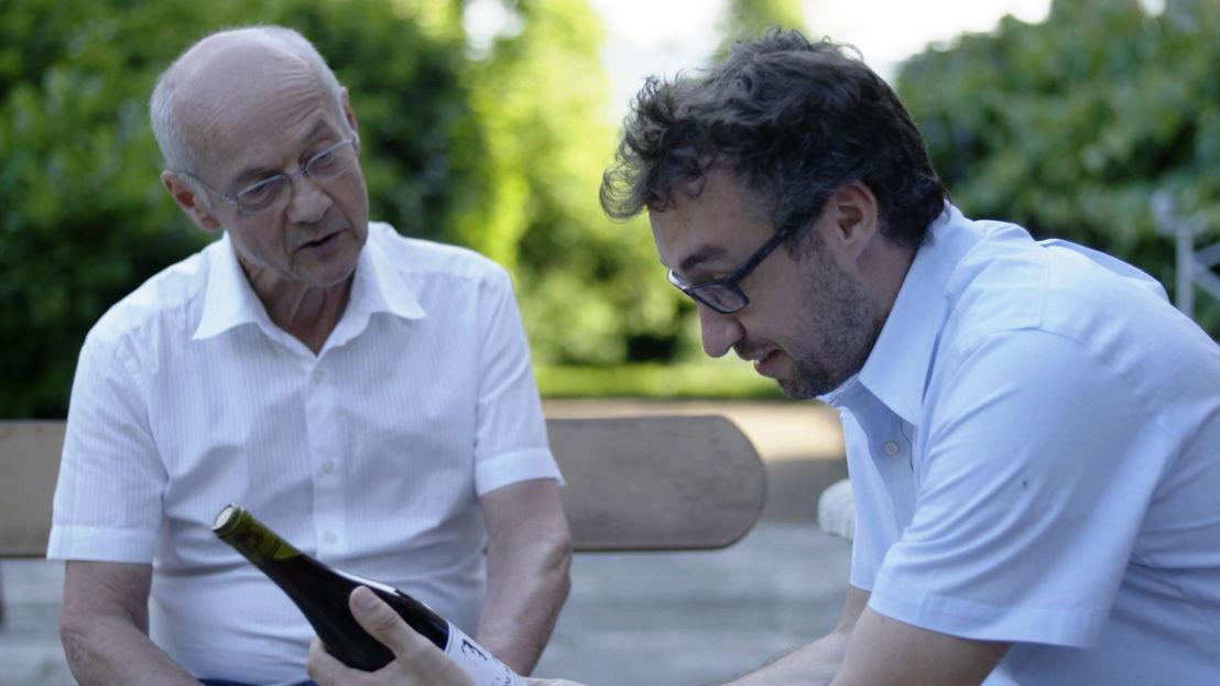 Michel Stagnara, kleinzoon van Locard, en Wim Develter - (c) VRT