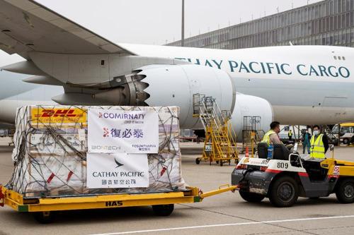Cathay Pacific entrega con éxito sus primeros envíos de vacunas a Hong Kong y otros países