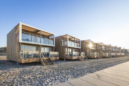 74 Beach Villa's Hoek van Holland verhuizen naar Roompot