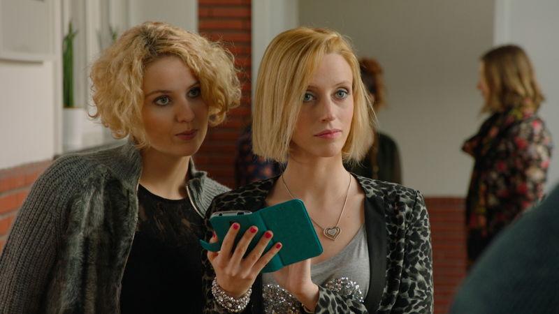 Jessica en Tamara (c) VRT