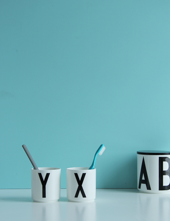 Design Letters Aj porseleinen mok - Y €15,50