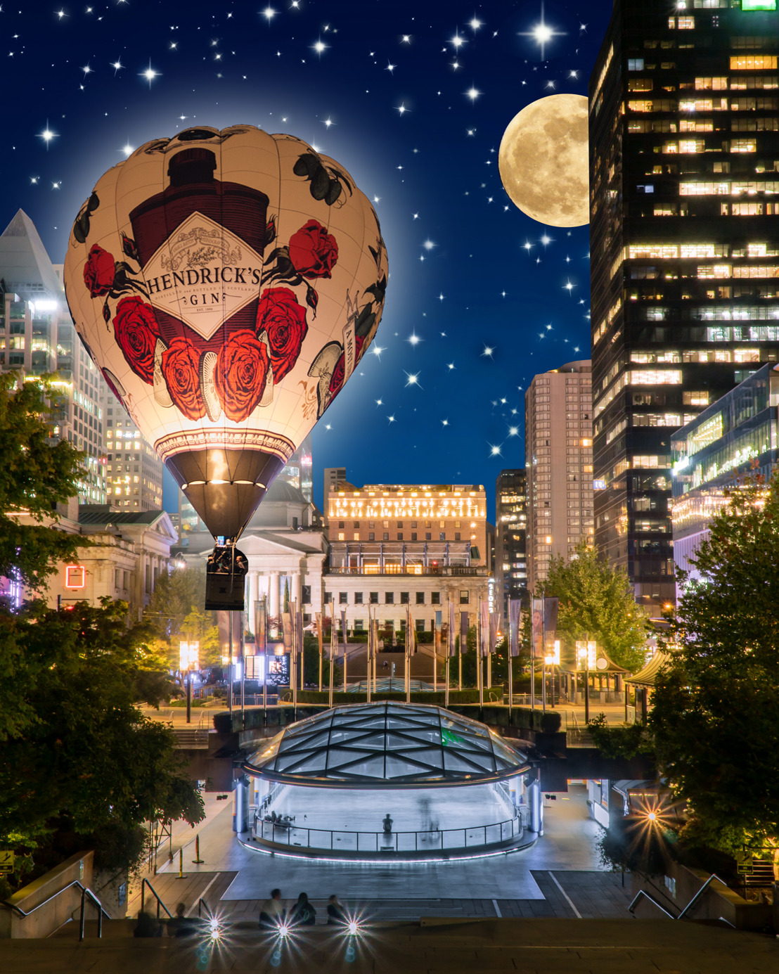 HENDRICK'S GIN DEBUTS A.W.E.V.A.N.A.I.R. AND MAKES HISTORY AS THE FIRST EVER HOT AIR BALLOON TO SOAR ABOVE THE INAUGURAL HONDA CELEBRATION OF LIGHT DOWNTOWN