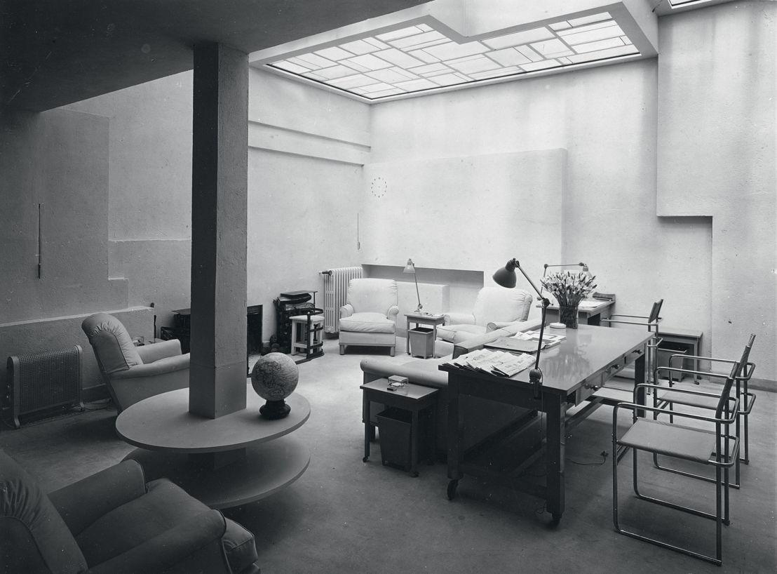 Salon rose / Roze salon, Villa Noailles, Hyères, Rob Mallet-Stevens. © Thérèse Bonney 1928