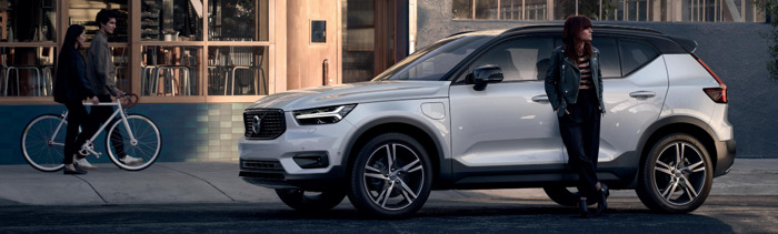 FamousGrey opte pour une Volvo XC40
