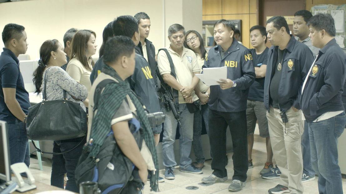 Panorama: de zaak 'Pieter 0167' - De Filipijnse politie brieft de pers - (c) VRT