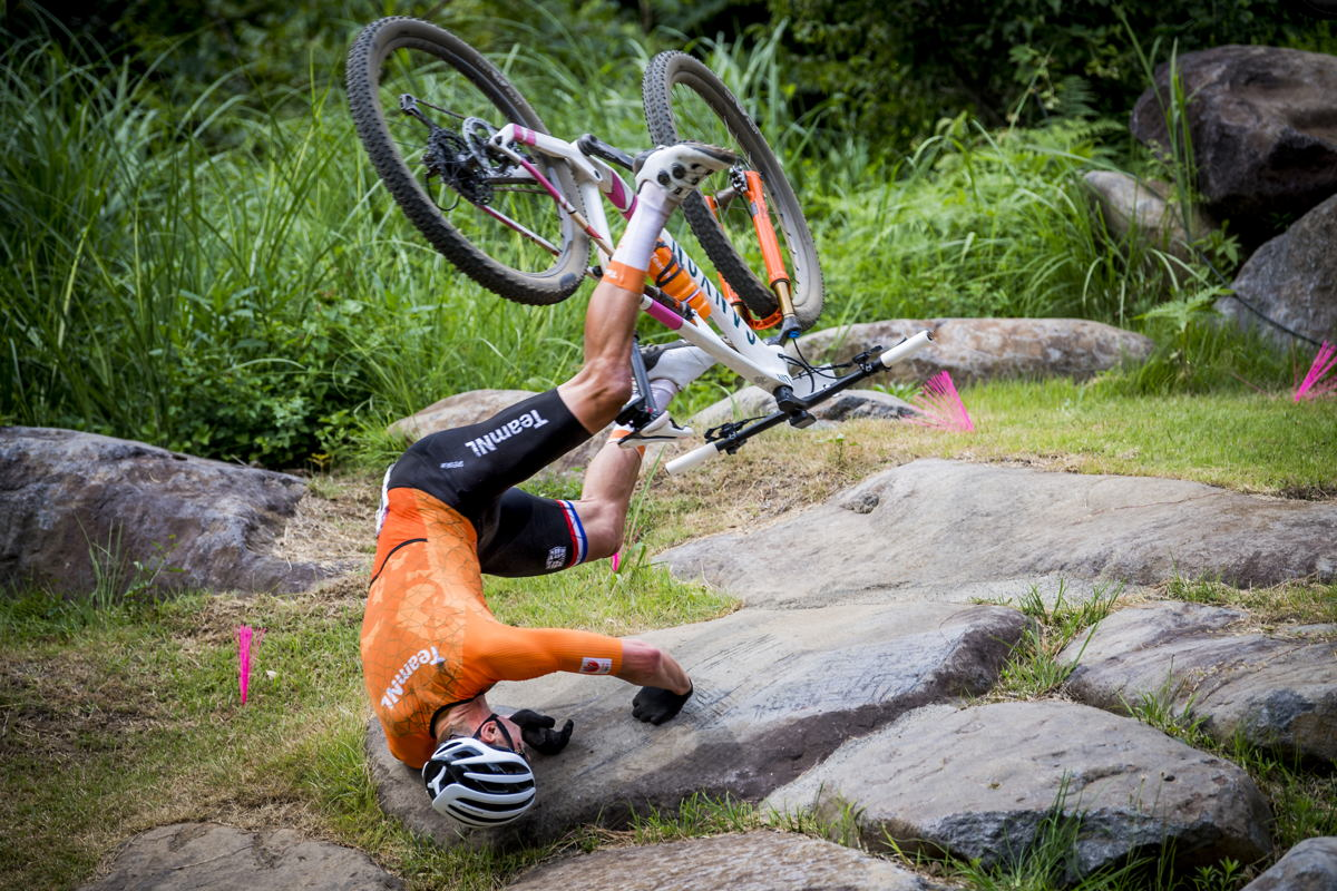 Dutch Mathieu Van der Poel falls during the men final race of the Mountainbike Cross-Country (VTT) event on the Izu track, on the fourth day of the